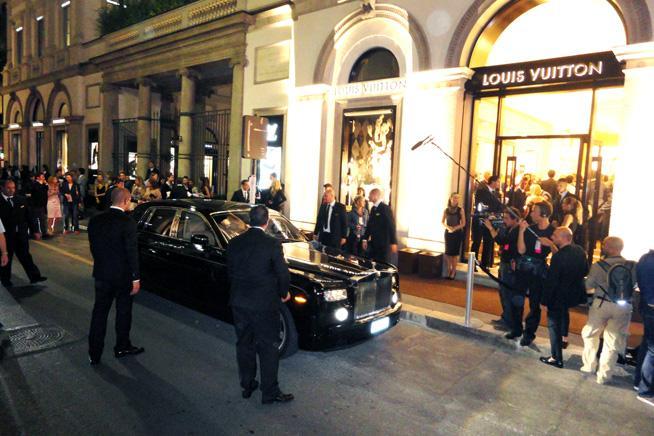 Louis Vuitton Milano Via Montenapoleone Tramonte